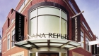 Banana-Republic-Exterior-Front-Entrance