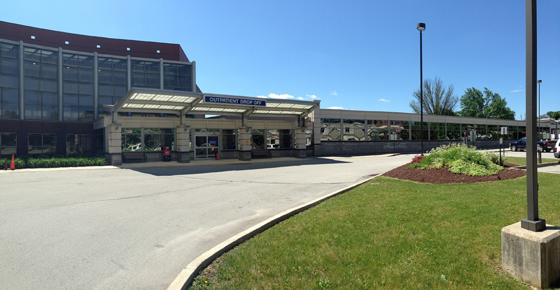 excela health latrobe emergency department exterior drop off